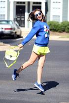 blue nike sneakers - yellow Queenhorsfall Closet shorts