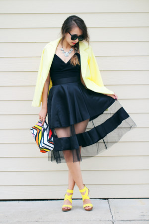 yellow lightinthebox blazer - yellow clic jewels bag - black Spicy Avenue skirt