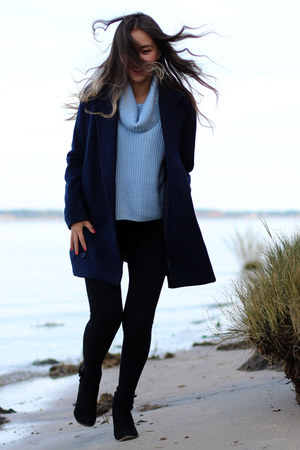 navy wool Celebrityfashionlookbook coat - light blue Forever 21 sweater