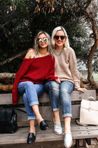 Where to find BFF's outfits