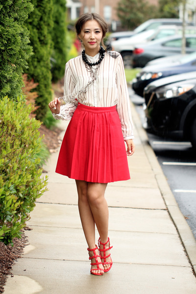 red Chicwish skirt - heather gray Susanna Galanis necklace