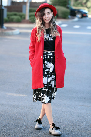 red Similar coat - heather gray Shellys London shoes - black Choies skirt