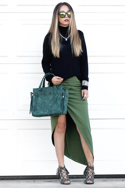 silver NIna Shoes necklace - dark green Violet Ray bag