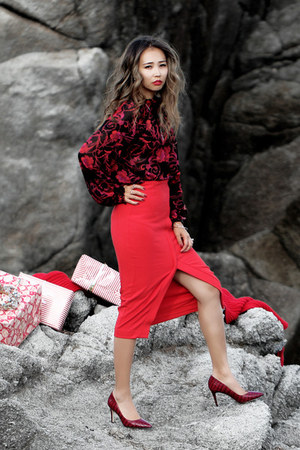red Eva Mendes skirt - red Eva Mendes blouse - ruby red Shoescom heels