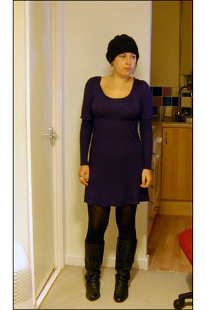Love Label dress - M&S tights - H&M hat