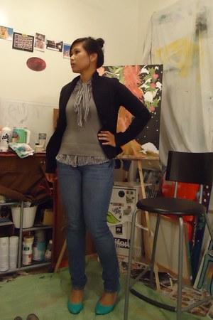 top - black blazer - heather gray vest - turquoise blue heels