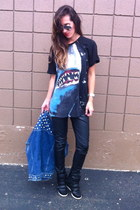 Zara t-shirt - thrifted vintage sunglasses - Forever 21 pants - vintage vest