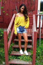 yellow thrift sweater - blue Levis shorts - white Converse sneakers