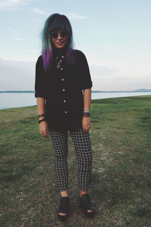 black checkered pants - black velvet shirt - black platforms wedges