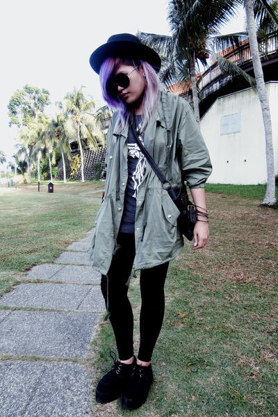 black chain hat Forever 21 hat - dark khaki windbreaker coat - black sunglasses