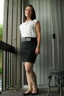 White-forever-21-top-black-belt-gray-skirt-black-charlotte-russe-shoes