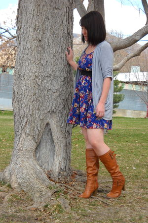 gray cardigan - blue dress - brown boots