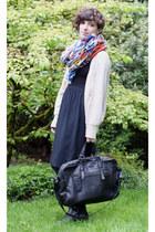 beige Forever 21 sweater - blue H&M scarf - black Francesco Biasia bag - black G