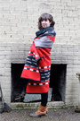 Tawny-ll-bean-boots-red-pendleton-coat-black-thrifted-scarf
