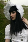 White-bonnet-handmade-by-proxima-vita-hat-white-anna-house-blouse