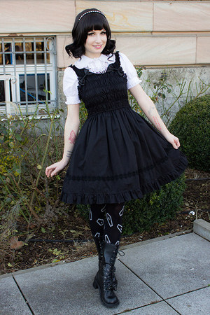 black lolita BTSSB dress - black wig lockshop hair accessory