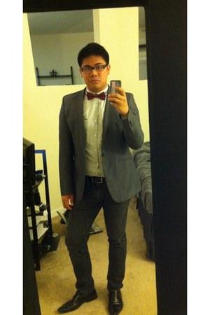 Zara shoes - Levis jeans - Zara blazer - INC shirt - bow tie vintage tie