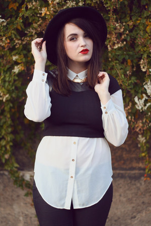 black fedora OASAP hat - gold heart Rings n Tings necklace - black Neon Rose top