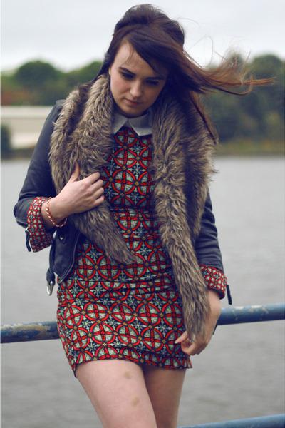 brick red PERSUNMALL dress - gold VJ Style bracelet