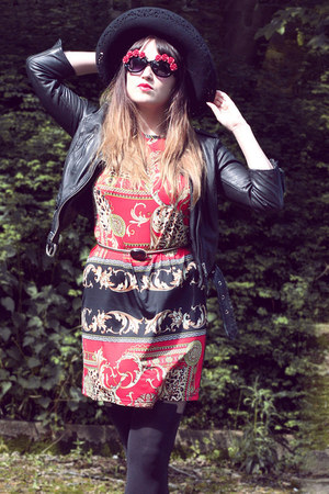 ruby red baroque vintage dress - black woolen Laura Ashley hat