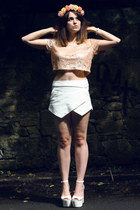 rose crown Roses and Clementines hair accessory - white skort Zara shorts