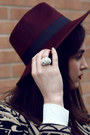 Black-sahar-dress-maroon-fedora-missguided-hat
