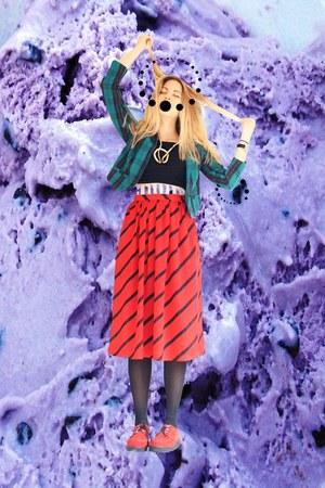thrifted shop skirt - Primark top