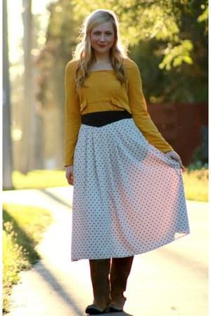 off white polka dots vintage skirt - brown Sorel boots