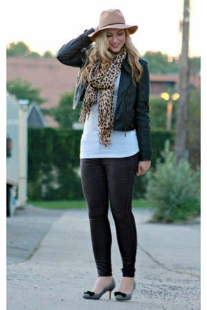 beige Sole Society scarf - puce JustFab jeans - black KUT from the kloth jacket