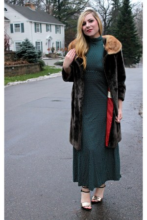 forest green vintage dress - black DSW shoes - light brown vintage coat