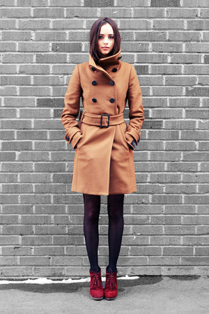 camel wilfred coat - ruby red new look boots