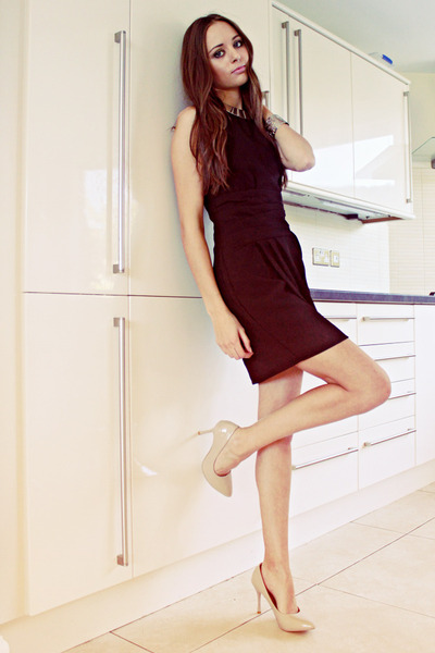 silver choker Ebay necklace - black Sugarlips dress - neutral OASAP heels
