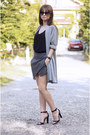 Gray-oasap-shorts-black-yoyomelody-sunglasses-black-oasap-top
