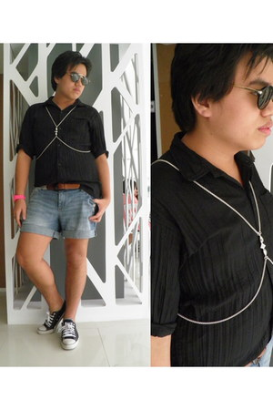 Forever 21 shorts - Forever 21 belt - body Forever 21 necklace