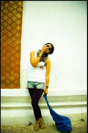 purple leggings - blue scarf - blue purse - white shirt - gold Converse shoes