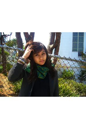 Alexander blazer - Sister shirt - scarf
