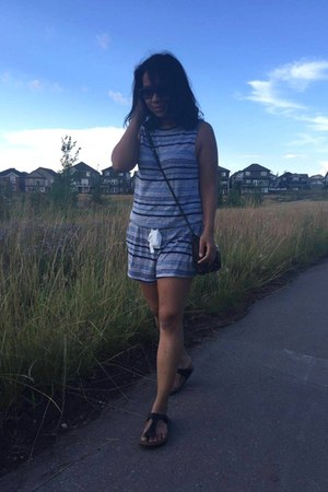 gray wilfred romper - black Rebecca Minkoff bag - navy Ray Ban sunglasses