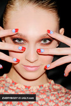 The Hottest Fall 2012 Nail DIYs To Try