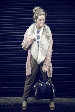 faux fur H&amp;M scarf - beige collette bag - peach Topshop cardigan - blue Zara jum