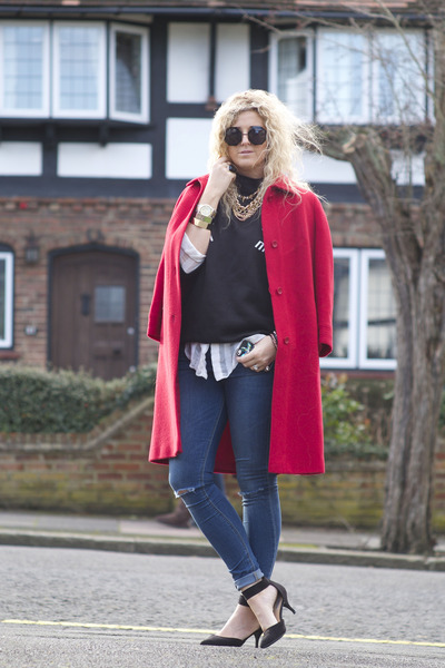 red vintage coat - blue asos jeans - black asos sunglasses