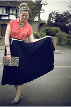 H&M bag - vintage skirt - Primark blouse - Givenchy necklace - Market flats