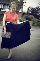 H&M bag - vintage skirt - Primark blouse - Givenchy necklace - Market flats