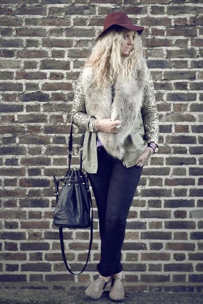 camel faux fur H&M scarf - brown studded Bertie boots - black tesco jeans