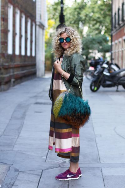 teal River Island bag - crimson H&M Trend dress