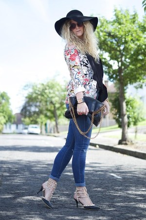 black rockstuds OASAP heels - navy ripped knee asos jeans