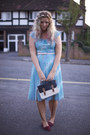 Sky-blue-pleated-vintage-dress-navy-satchel-primark-bag