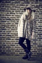 brown vintage blouse - beige vintage coat - black H&M leggings - black Zara boot