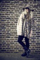 brown vintage blouse - beige vintage coat - black H&M leggings - black Zara boot