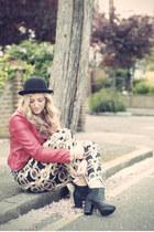 bubble gum scarf print Primark jeans - black chelsea boots so you shoes boots
