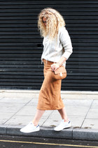 white suede skirt Boohoo skirt - off white Primark jumper